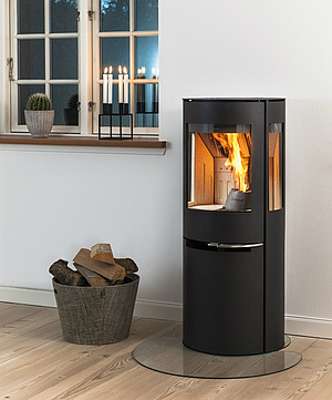 Shift between wood and pellets with Aduro H1 pellet wood burning stove